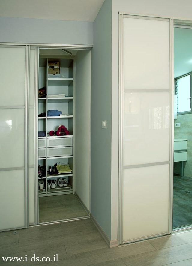 תכנון חדר ארונות. אירנה פטרושקו אדריכלית פנים. עיצוב ותכנון דירות ובתים פרטיים