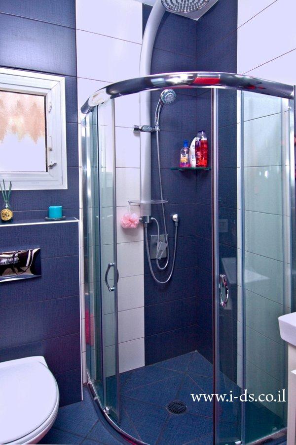 חדר מקלחת מעוצב.מעצבת פנים אירנה פטרושקו