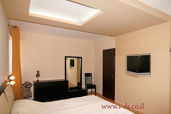 עיצוב חדר שינה, עיצוב תקרה בגבס עם תאורה נסתרת.אירנה פטרושקו אדריכלית פנים. עיצוב ותכנון דירות ובתים פרטיים