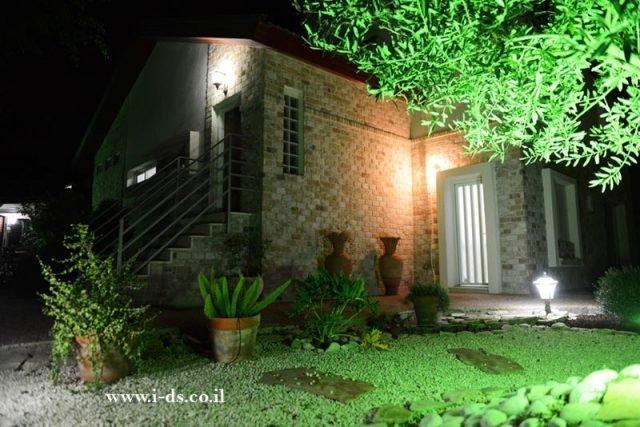 עיצוב חוץ של הבית-עיצוב חזיתות ותכנון גינה. אירנה פטרושקו אדריכלית פנים. עיצוב ותכנון דירות ובתים פרטיים