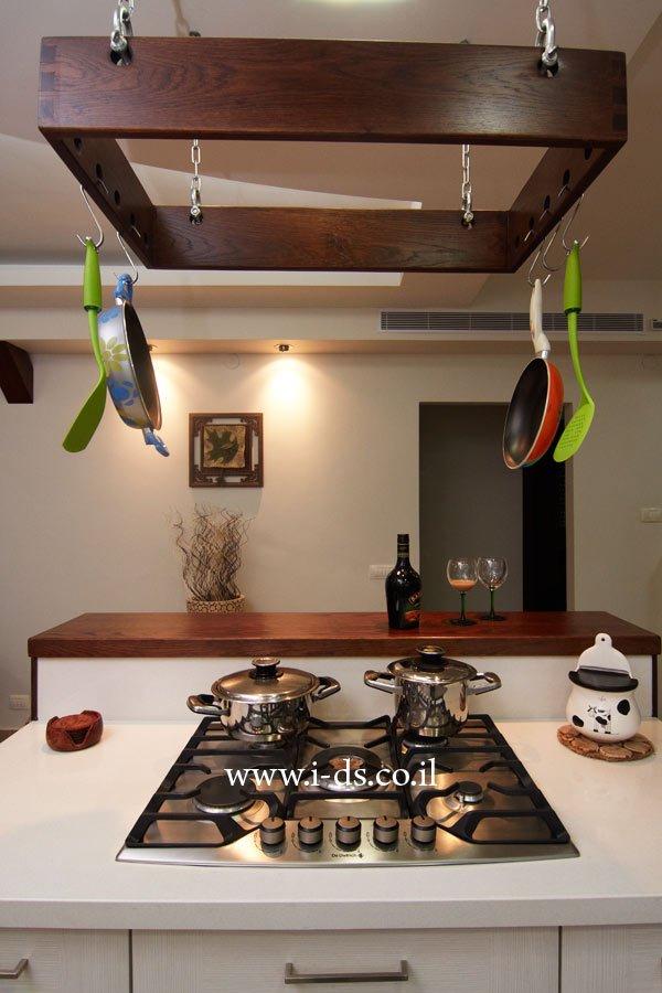 עיצוב ותכנון אי למטבח. אירנה פטרושקו אדריכלית פנים. עיצוב ותכנון דירות ובתים פרטיים