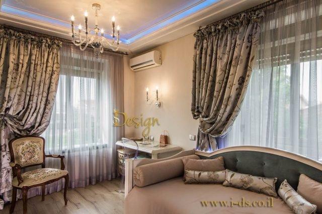 עיצוב חדר שינה יוקרתי בסגנון קלאסי. אירנה פטרושקו מעצבת פנים. עיצוב ותכנון דירות ובתים פרטיים